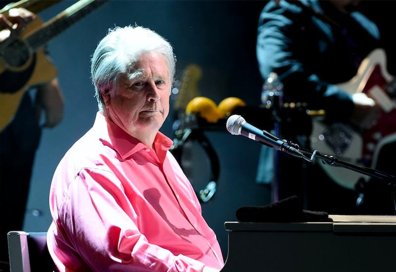"""Brian Wilson te lleva a la playa en su nueva canción """"Run James Run"""""""