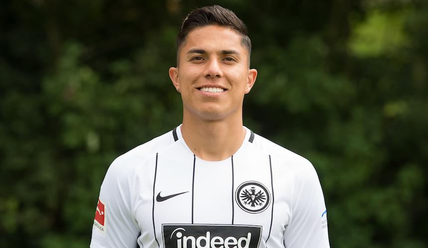 Así fue el debut de Carlos Salcedo con el Eintracht Frankfurt