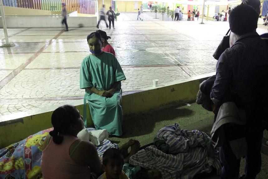 Evacuan a pacientes de hospital en Chiapas tras sismo