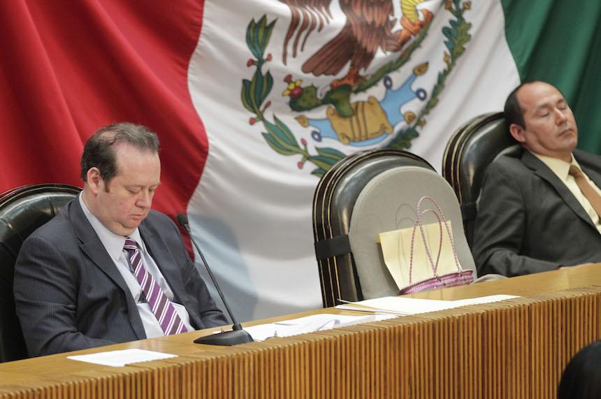 Diputados y senadores se toman puente vacacional