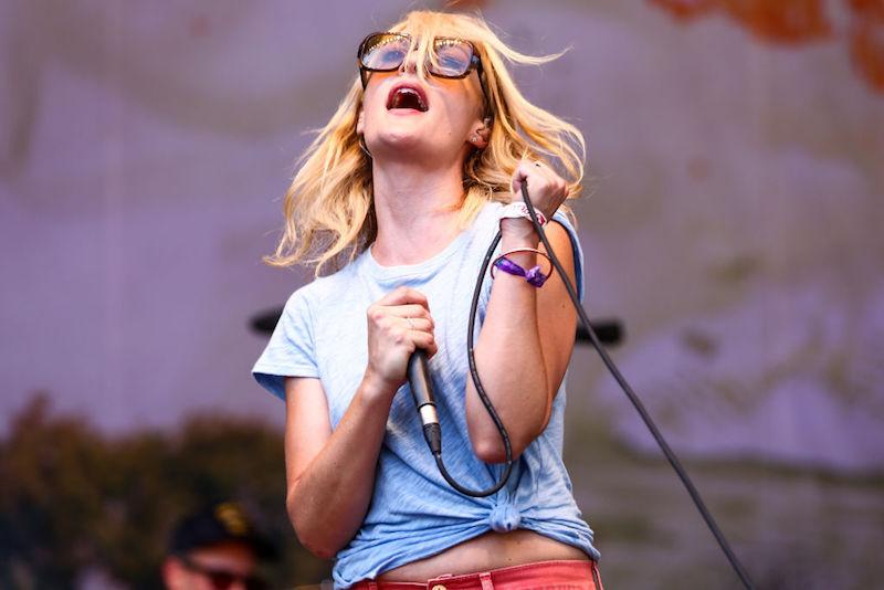 Ya puedes escuchar el nuevo álbum de Emily Haines & The Soft Skeleton