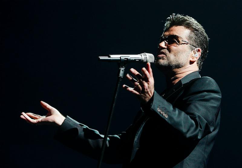 Escucha la primera canción de George Michael después de su muerte