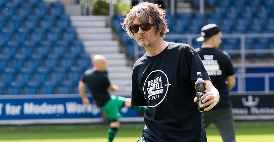 Jarvis Cocker, Kasabian y más sacan sus shorts para un partido de futbol