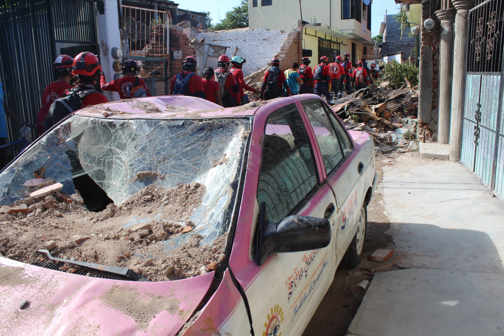 Topos Tlatelolco ayudan en el sismo