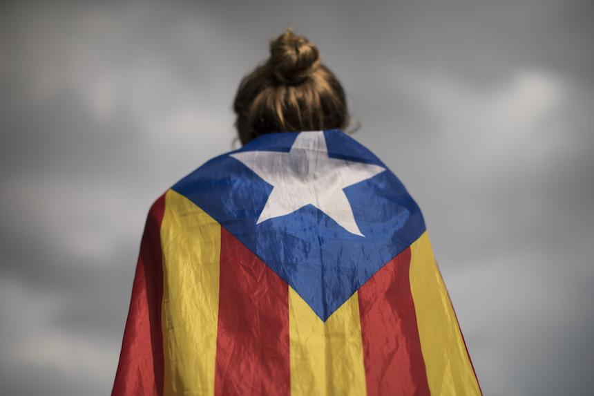 Fiscalía española dicta prisión preventiva a ocho exconsejeros del gobierno catalán