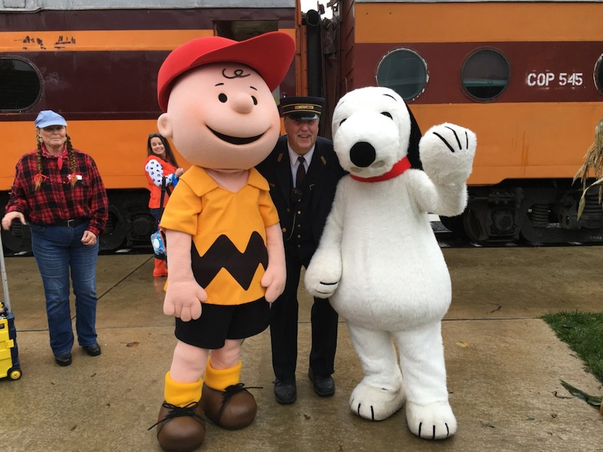 Disfraces para parejas de Halloween - Charlie Brown y Snoopy