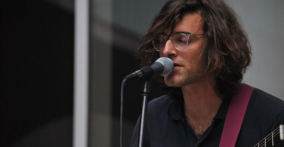 Ex guitarrista de Real Estate es acusado por 7 mujeres de conducta sexual indebida