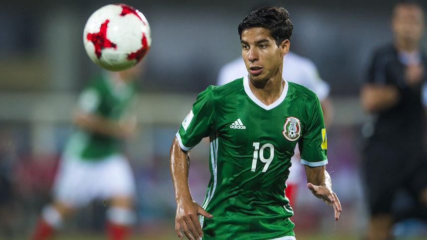 ¿Sería una locura que Osorio llamara a Diego Lainez al Tri?