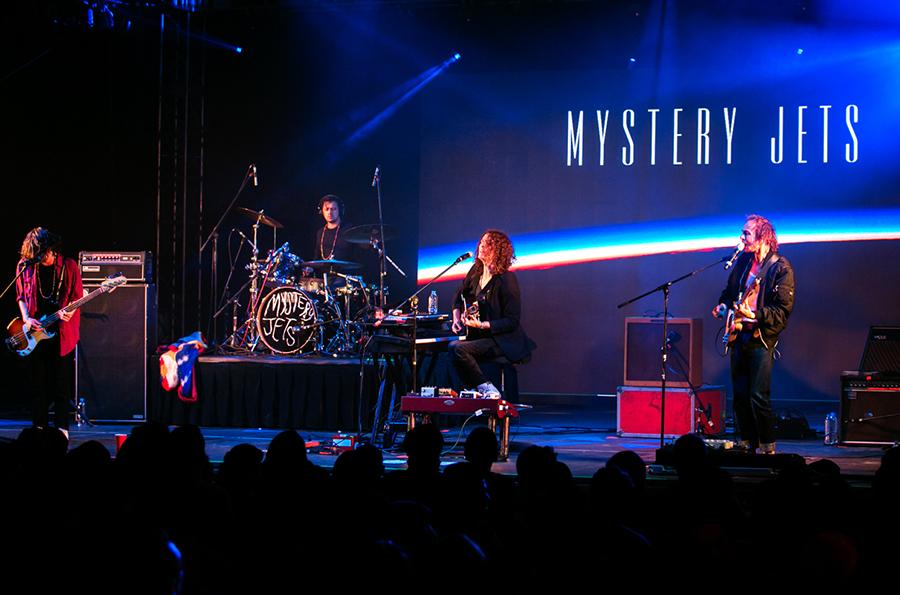 Mystery Jets, Washed Out, y Camilo Lara en el FIESTÓN de Doritos #FORTHEBOLD