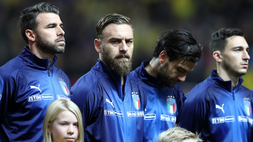 """Daniele de Rossi molesto por decisión técnica durante el Italia -Suecia"""""""