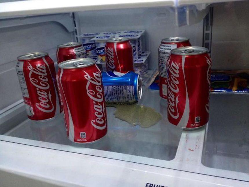 Fotos graciosas de novios y esposos - Asesinato de una Pepsi