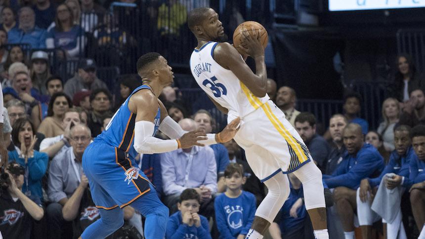 ¡Hay tiro, hay tiro! Checa el agarrón entre Kevin Durant y su examigo, Russell Westbrook