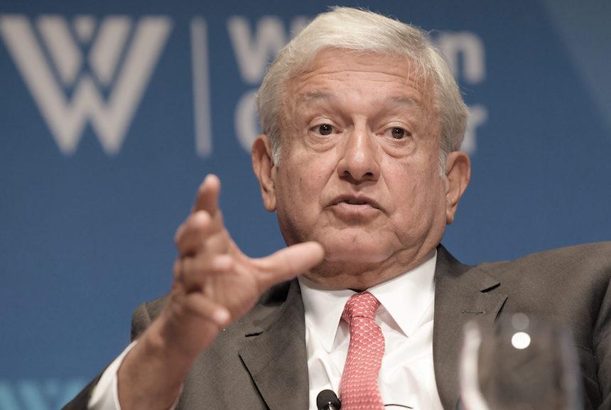 Andrés Manuel López Obrador, dirigente nacional de Morena