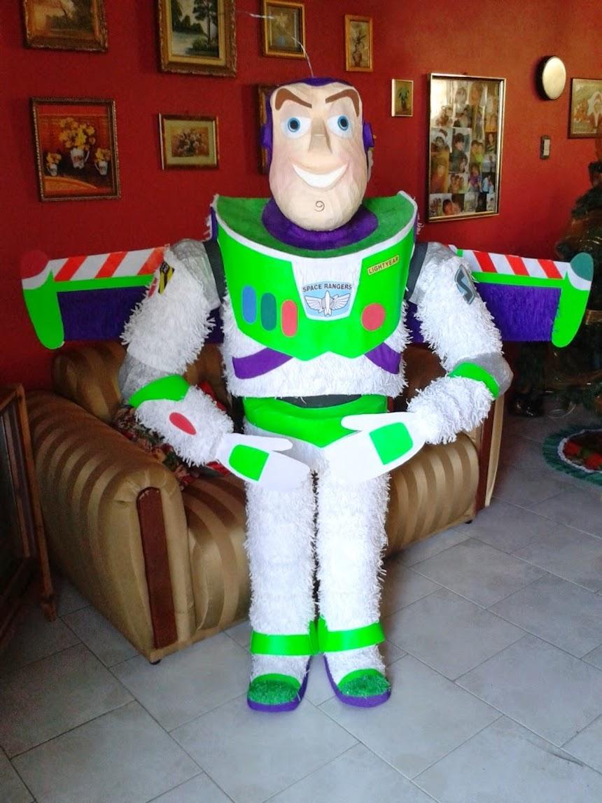 Piñata de Buzz