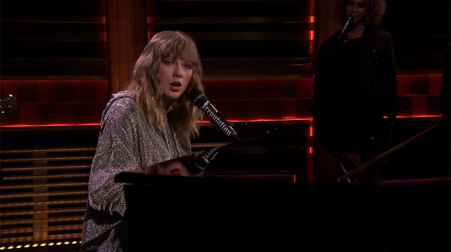 "Taylor Swift hace un emotivo ""tributo"" a la mamá de Jimmy Fallon"