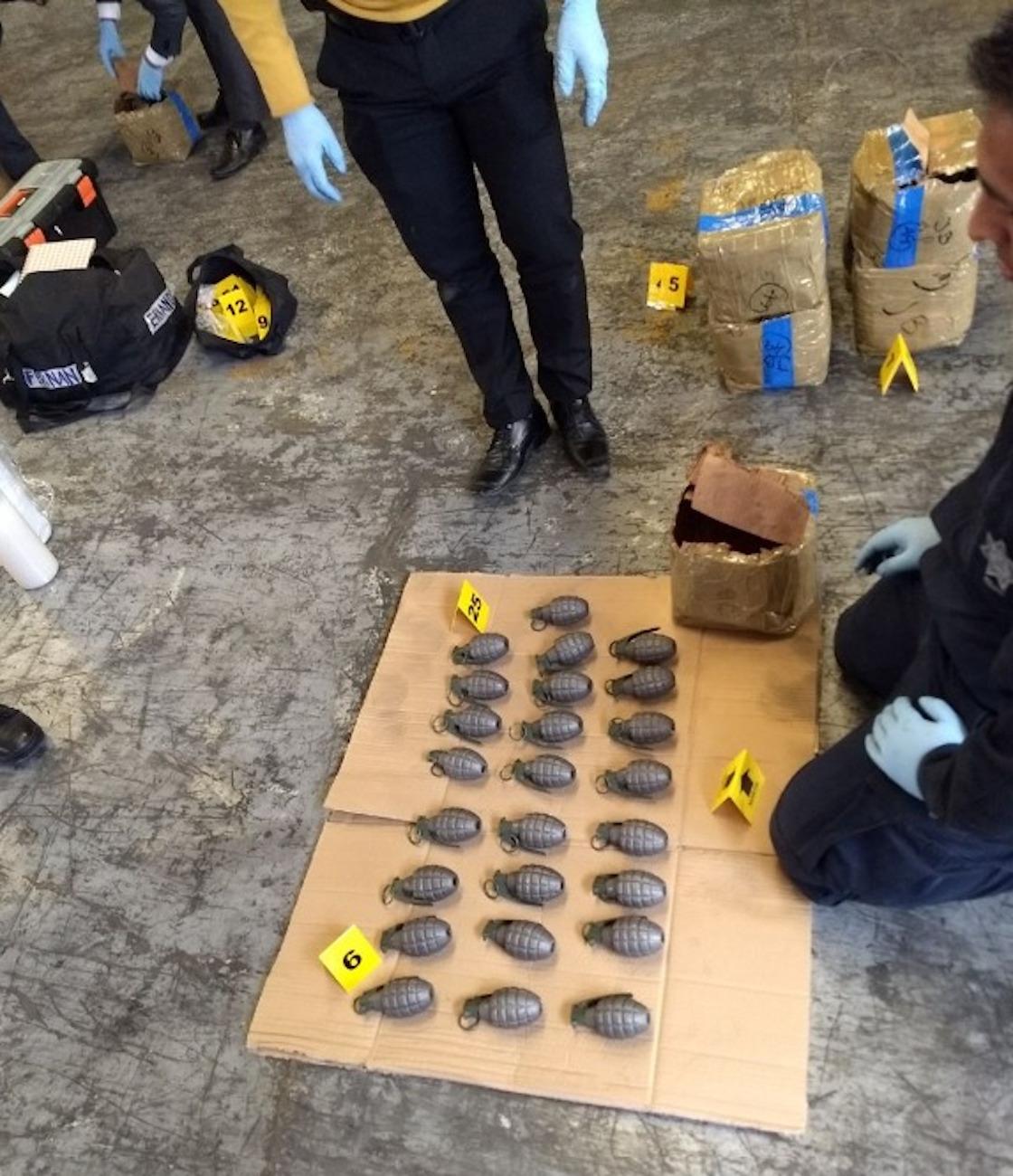 Interceptan en CDMX casi mil granadas enviadas por paquetería