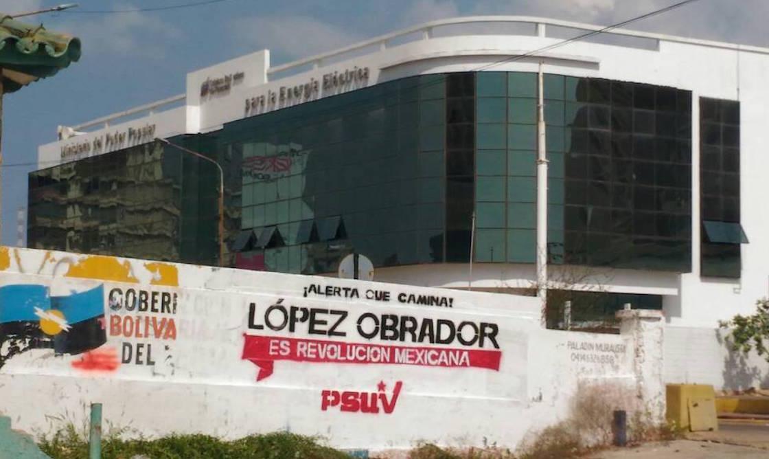 Aparecen pintas a favor de López Obrador en bardas de Venezuela