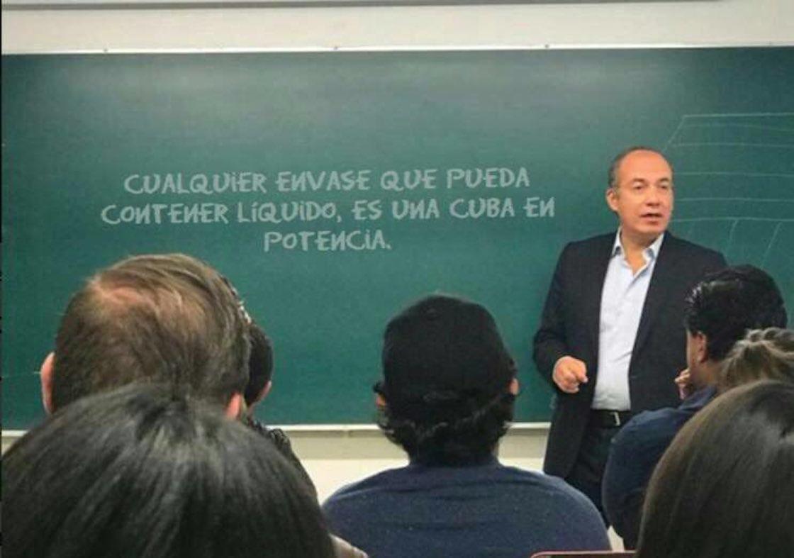 Felipe Calderón Hinojosa da clases en el ITAM