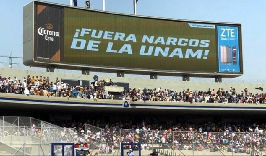 Mensaje en estadio Olímpico Universitario