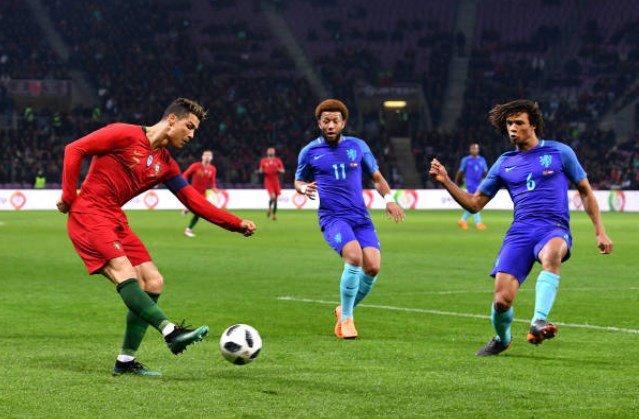 Cristiano contra Holanda