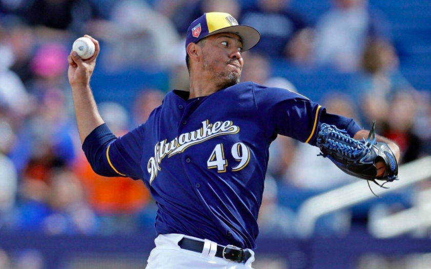 Yovani-Gallardo-Milwaukee.Brewers-MLB-pitcher