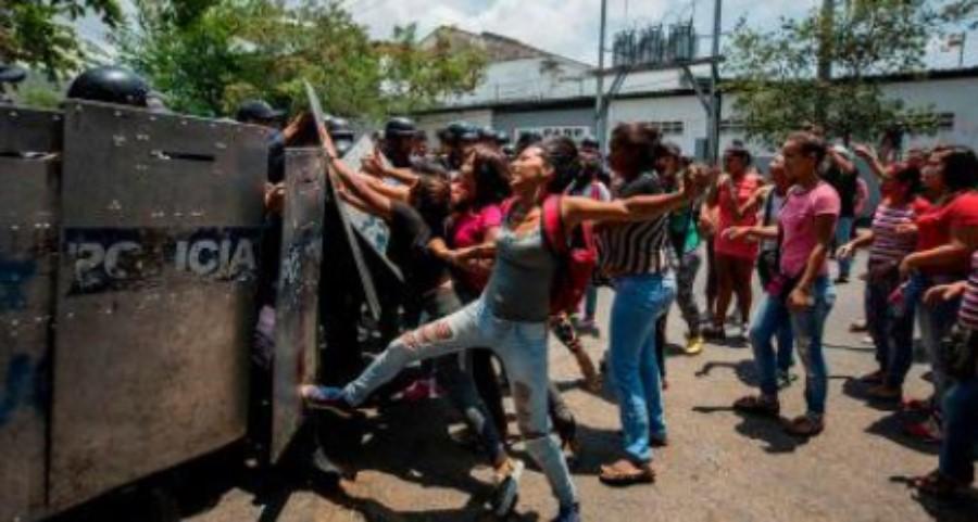 Motín en cárcel de venezuela, 68 perosnas mueren