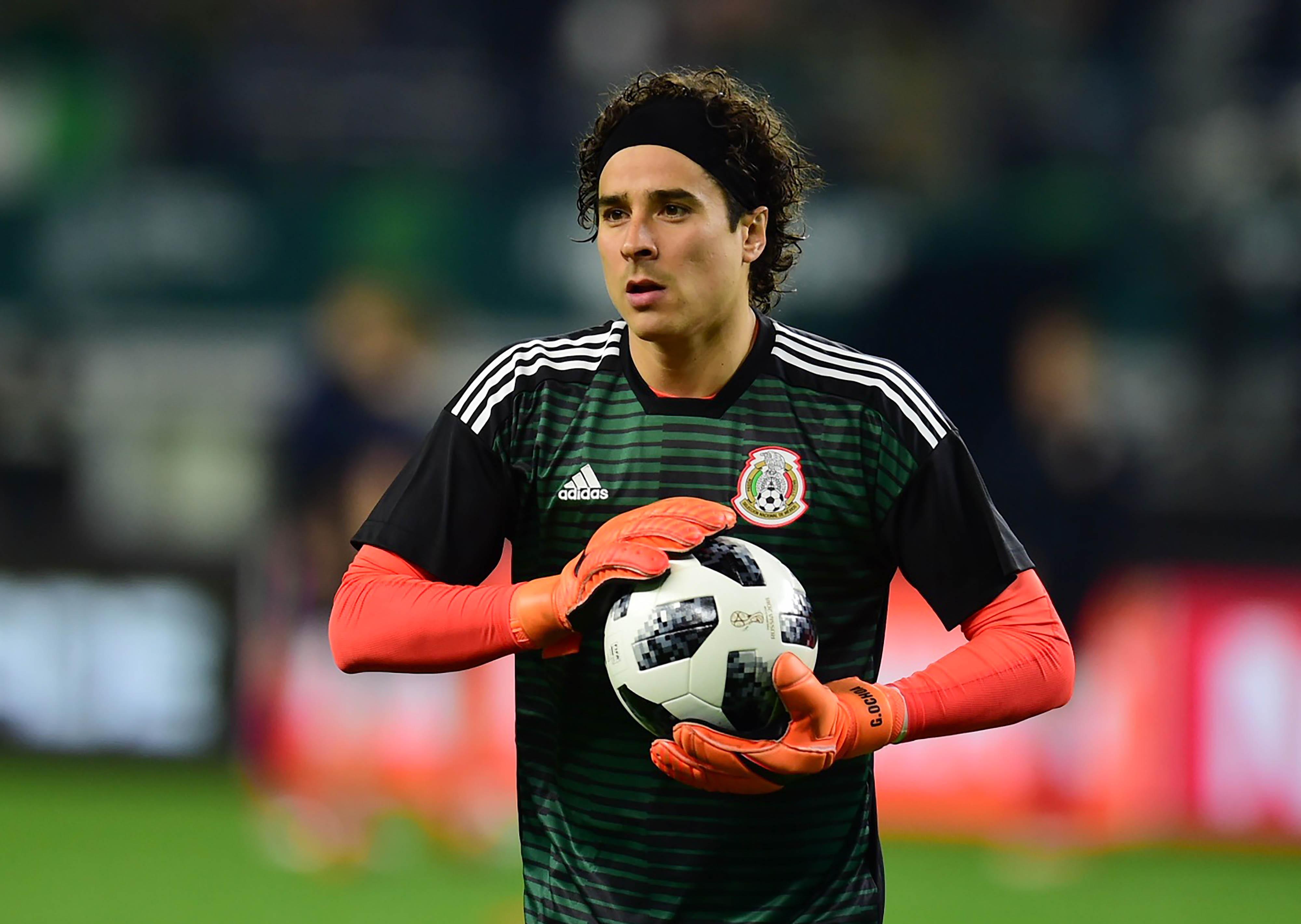 Memo-Ochoa-Standard-Lieja-Selección-Mexicana