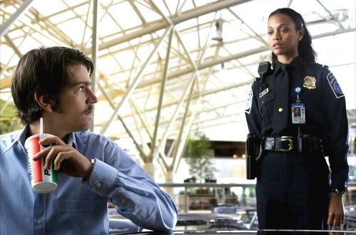 Diego Luna en La Terminal