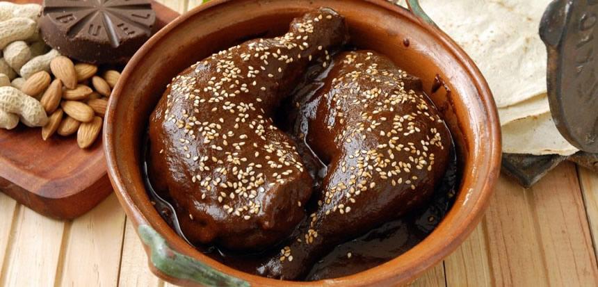 plato pollo con mole