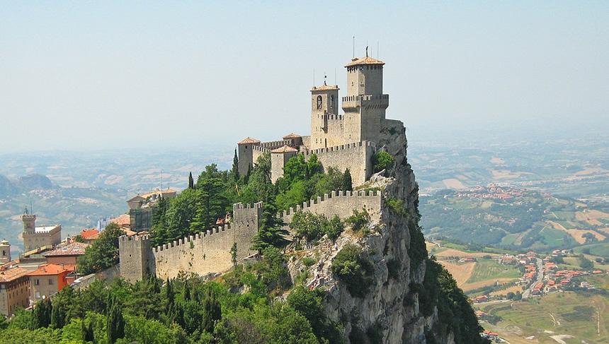 castillo San Marino