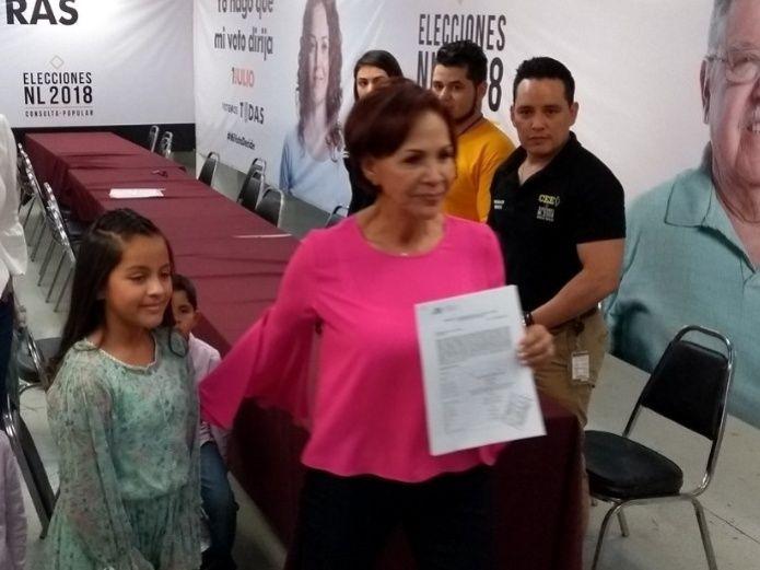 Se registra Teresa Martínez