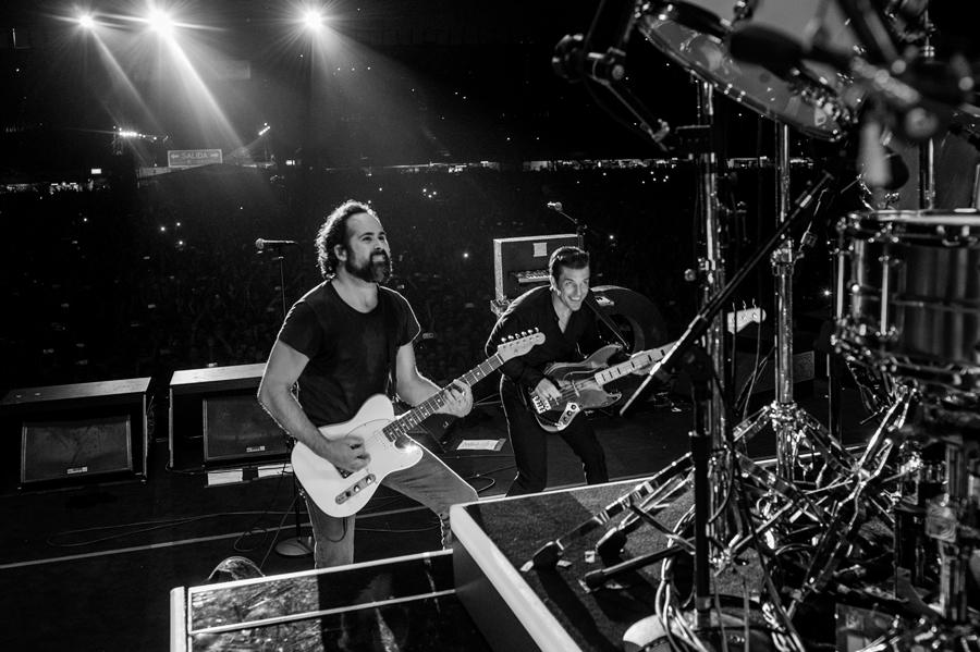 La noche que un fan mexicano le robó el concierto a The Killers