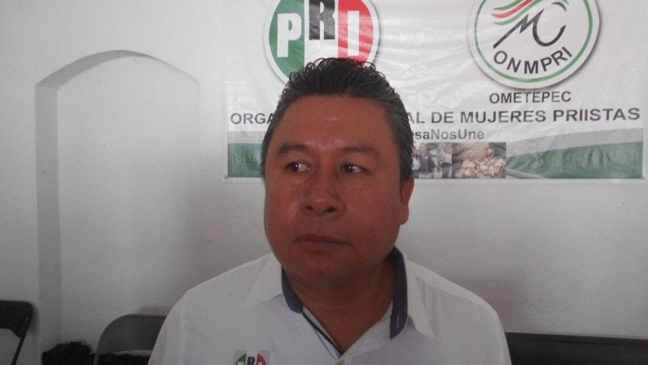 , el candidato a diputado federal del PRI por el distrito VIII, Edel Chona Morales