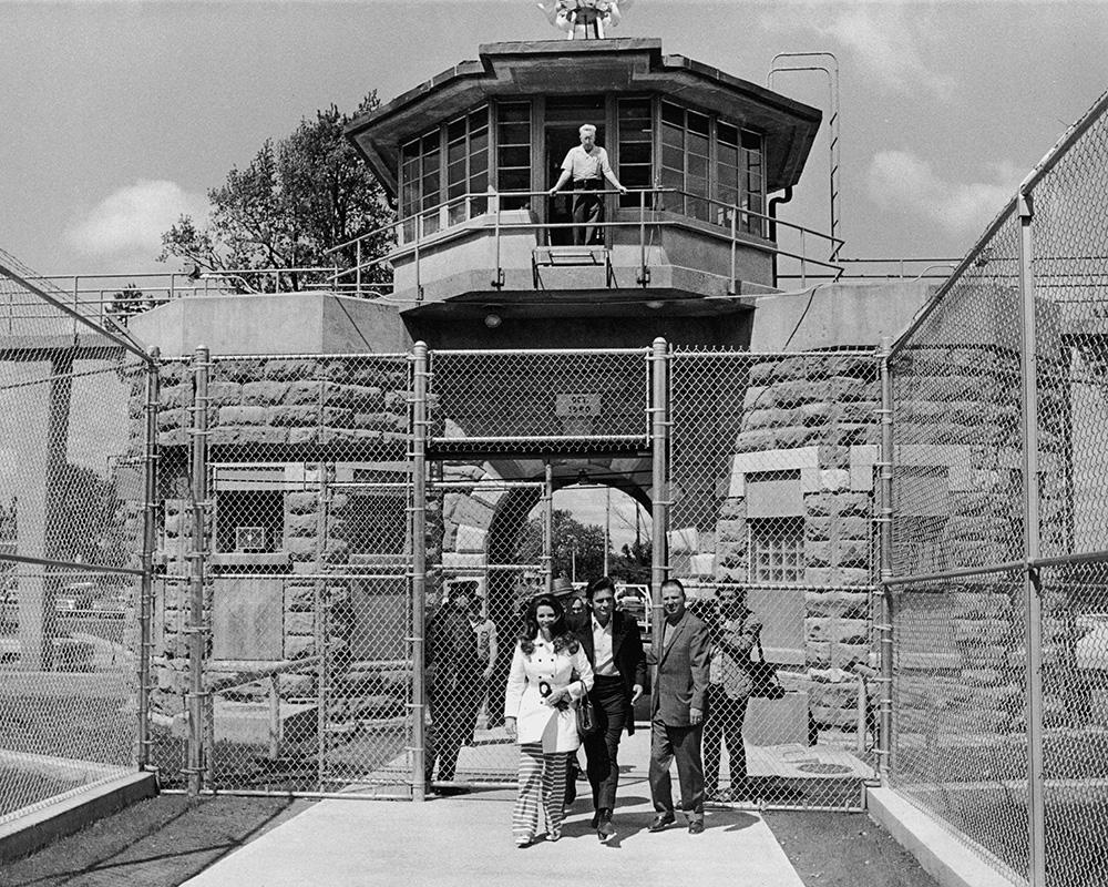 Después de 50 años, Los Tigres del Norte tocaron en la misma cárcel que Johnny Cash