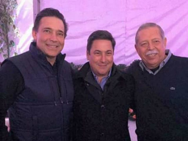 Former Tamaulipas Governor Eugenio Hernandez poses with gubernatorial candidate Baltazar Hinojosa and current governor Egidio Torre
