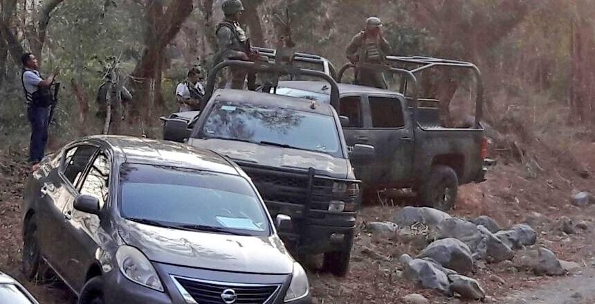 16 ejecutados en #Zihuatanejo #Guerrero; 10 en un enfrentamiento de delincuentes vs Ejército, Policía y Marina, y seis policías estatales emboscados en la sierra de este municipio