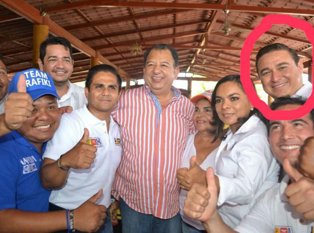 José Alberto Alonso Gutiérrez con dirigentes del PRD, Ricardo Barrientos y de MC, Luis Walton, respectivamente