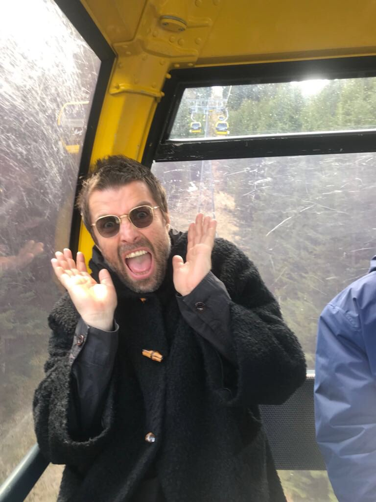 No pos' buena suerte: La BBC está convenciendo a Liam Gallagher de no decir palabrotas en su festival