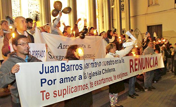Protestas contra el obispo Juan Barros en Chile casos pederastia