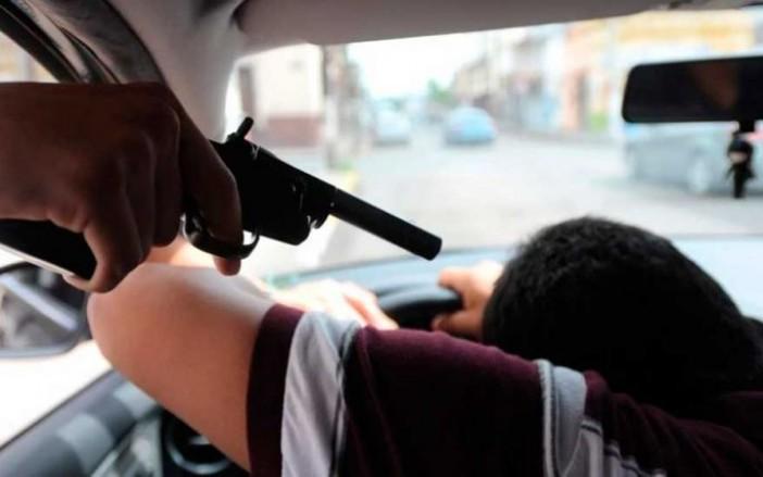 robo de autos con violencia
